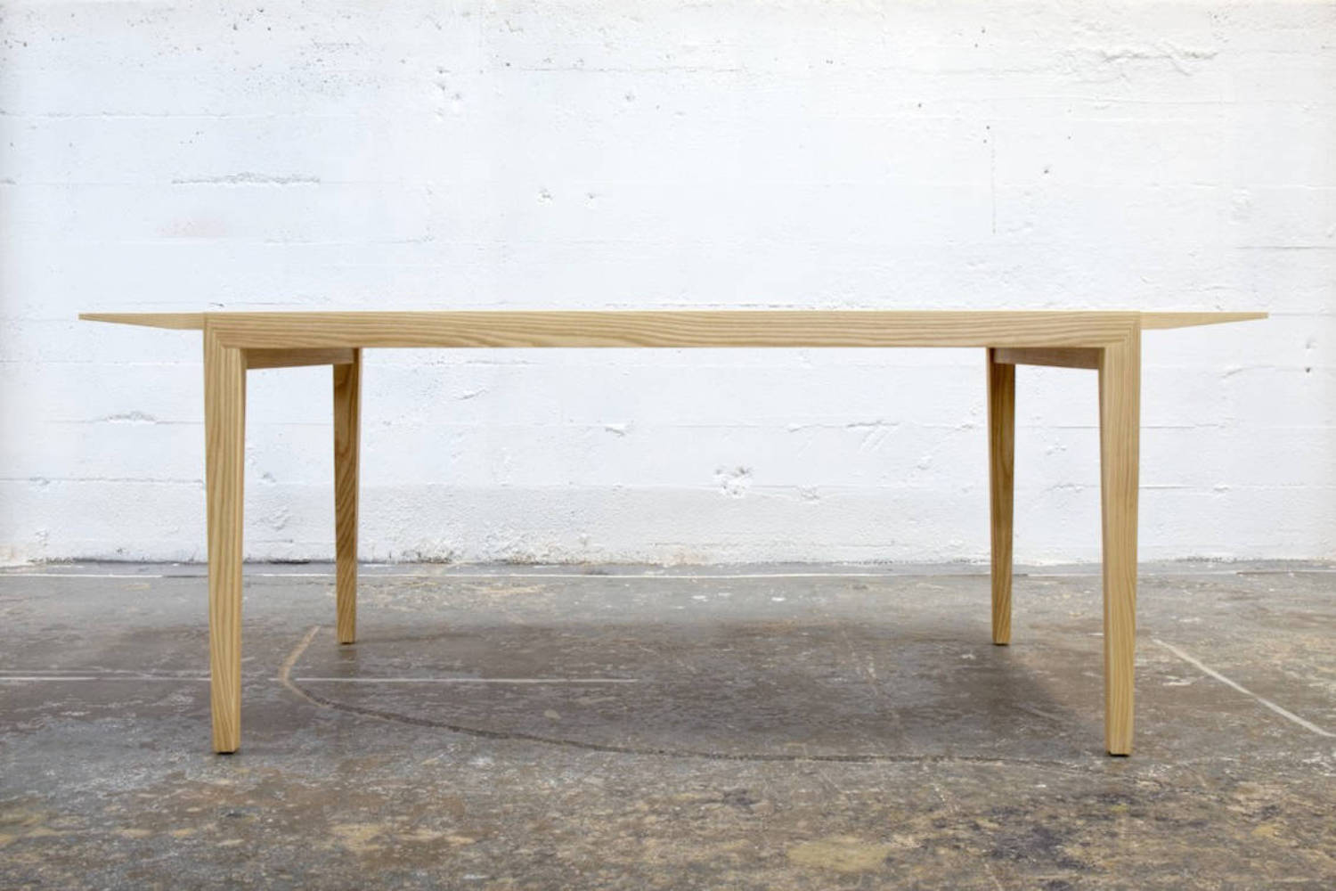 Wing wooden table
